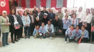 صورة مع كشافة سيدي بوزيد
